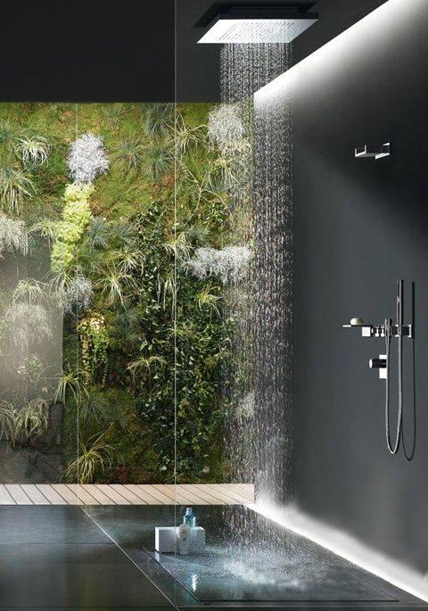 Ứng dụng vườn tường đứng trong phòng tắm nhỏ